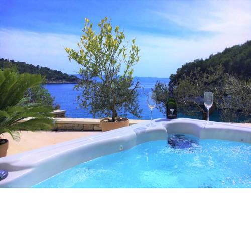 Brac Stone Beach Villa with Jacuzzi