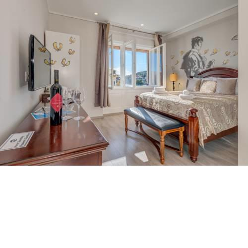 Metropole Luxury Rooms