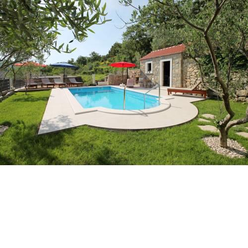 Villa Vultana with heated pool, 4 bedrooms, 3.5 bathrooms, 10 persons max